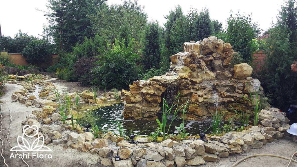 Строиельство водоема общий вид водоема с водопадом