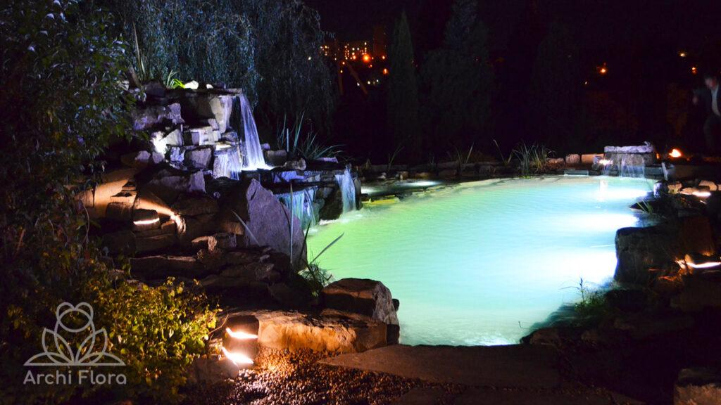 Подсветка в пруду