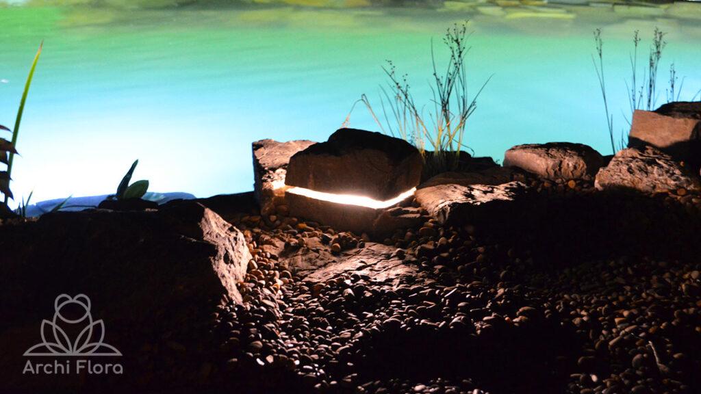 Светильники для подсветки пруда